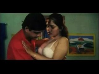 Reshma Hot