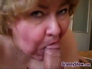 Asian lesbians lick pussy