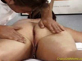 Crazy Old Mom Gets Fucked Hard Taking A Big Cock In Pussy