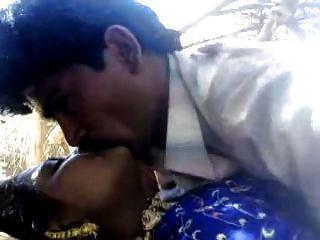 Desi Couple Outdoor - Coolbudy