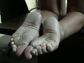 Same Chick With Sexy Thick Soles + Huge Ass