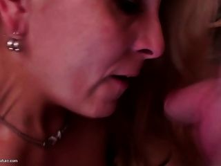 Super Mom Gets Fucked In All Holes And Piss On Face