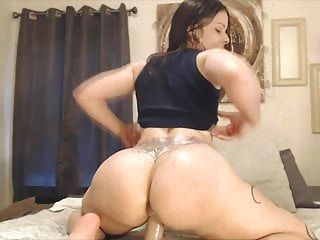 Oiled Dirty Talking Assondra With A Big Clapping Ass